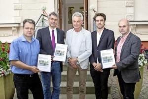 Read more about the article INSPO übergibt Sportentwicklungsplanung an Bürgermeister
